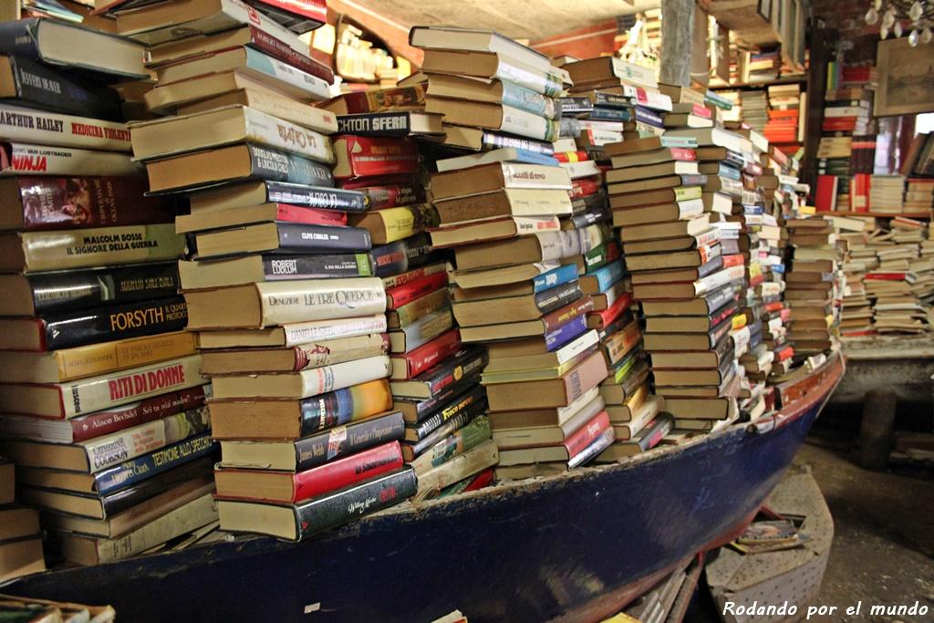 montonera de libros